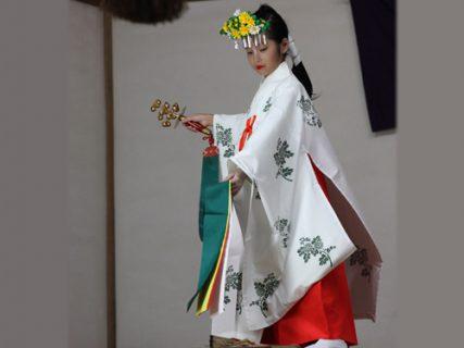 9月<br />-吹上鎌塚 巫女の舞-